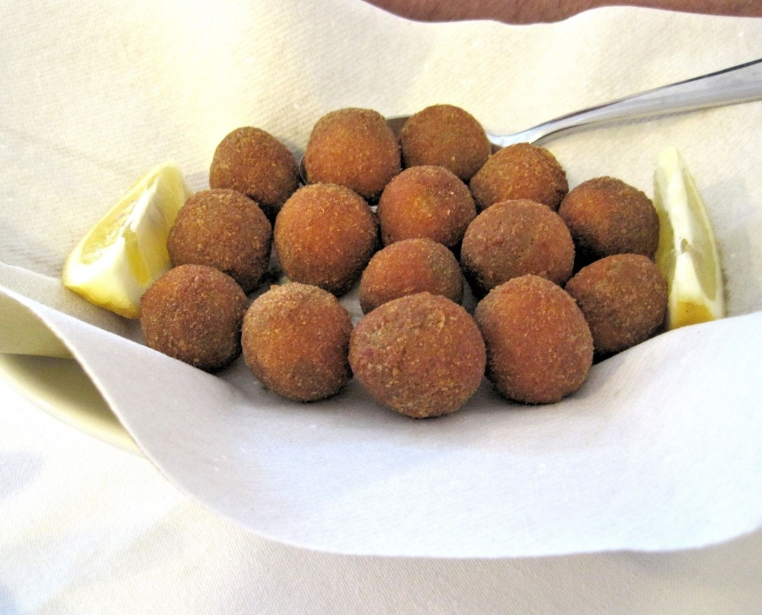 fried_stuffed_olives_food_nutritional_delicious-898362.jpg!d